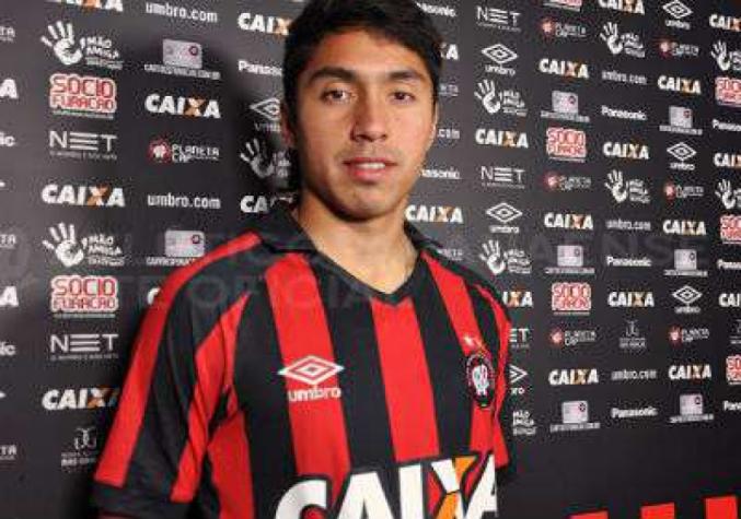 Jogador de clube brasileiro é procurado por suposta participação em assassinato