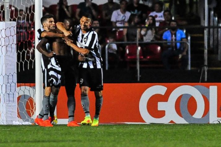 Botafogo venceu somente um dos últimos dez jogos contra o São Paulo ... fdcea471818fc