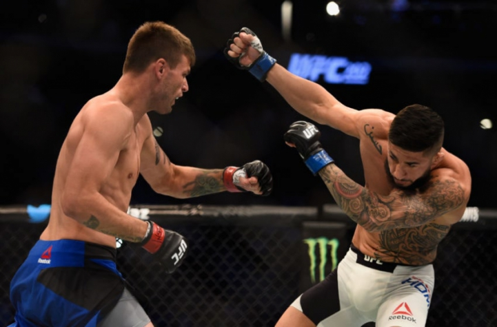 Tim Means nocauteou Sabah Homasi no segundo round do confronto
