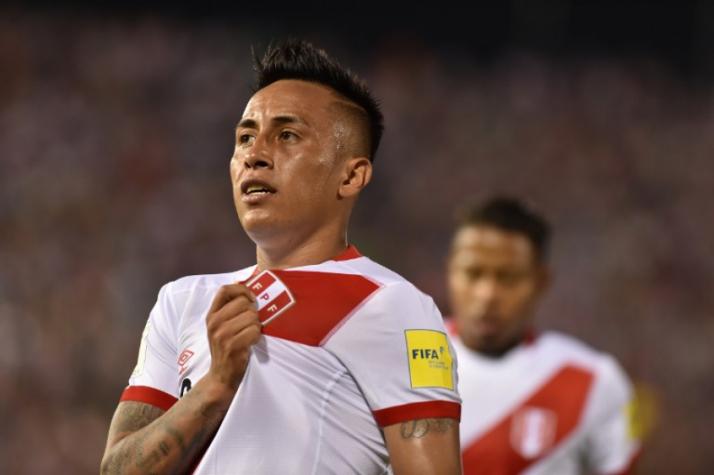 Cueva sente a coxa em jogo do Peru, é substituído e preocupa são-paulinos