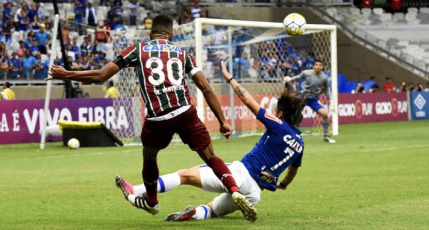 William Matheus contra o cruzeiro