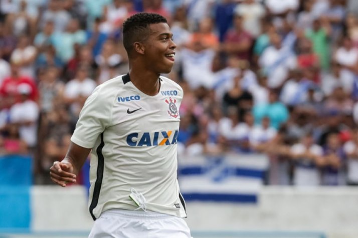 6a51152b97e Carlinhos marca mais um e Corinthians avança na Copinha