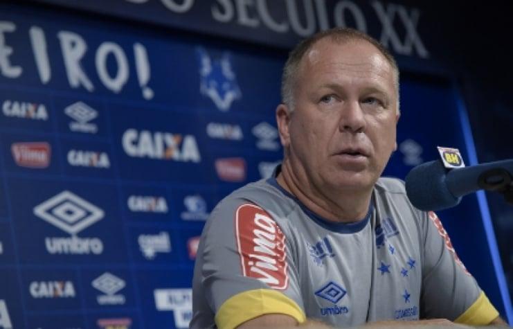 Invencibilidade 15 jogos não ilude Mano na primeira fase do Mineiro