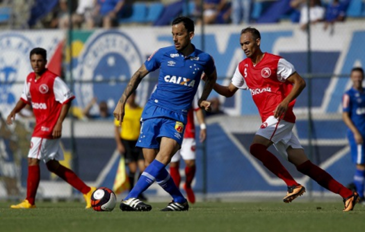 Ariel Cabral, meio-campista do Cruzeiro (Washington Alves/Lightpress)