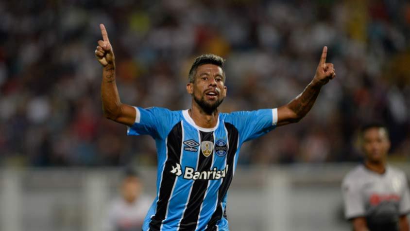Léo Moura marca e Grêmio empata com o Novo Hamburgo