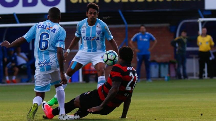 Brasileirão: Avaí e Vitória empatam sem gols, na Ressacada