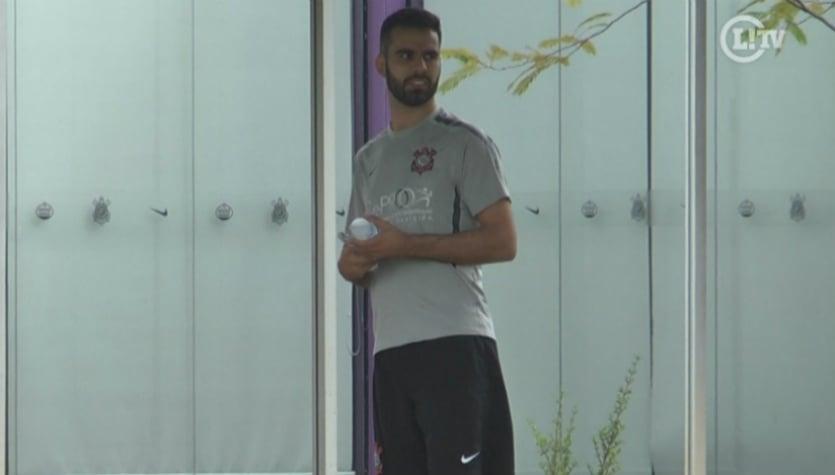 Em meio à busca por zagueiro, Timão recebe ex-São Paulo para tratar lesão