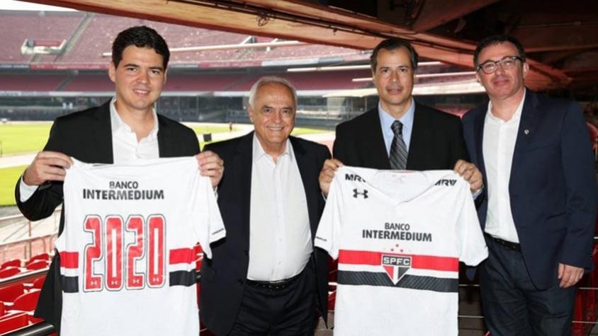 Patrocínio  São Paulo tem opção de romper contrato com oferta maior 83b7f6d37537b