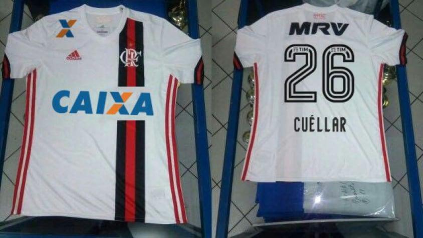 Manto novo! Segundo uniforme do Flamengo vaza na Internet  8ca4a0ff10524