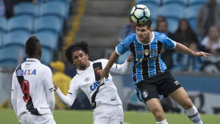 Vasco perde para o Grêmio por 2 a 0 no Campeonato Brasileiro