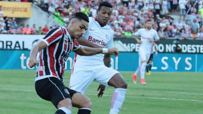 Após perder Pottker, Guto Ferreira demonstra preocupação com desgaste no Inter