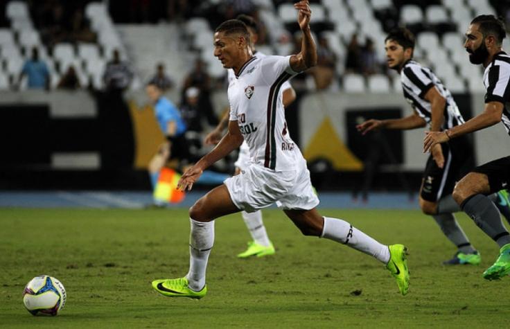 Em clássico de baixo público, Botafogo vence Fluminense e reage na tabela