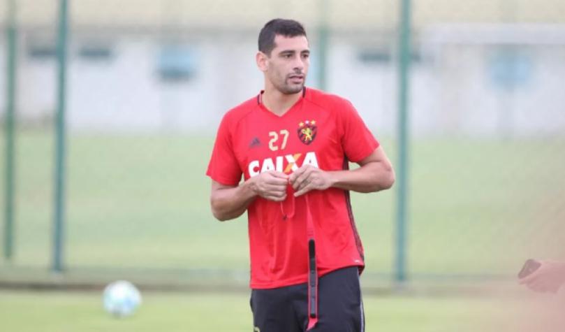 Diego Souza ataca Edmundo: