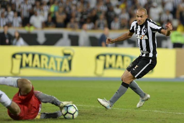 b8d71cbe9f5 Botafogo recebe Palmeiras num jogo que vale muito mais que três ...