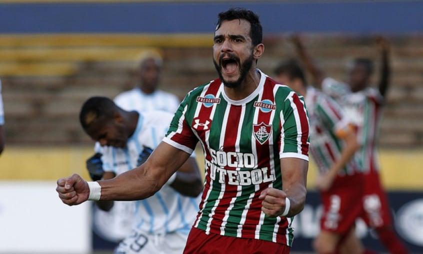 Flamengo anuncia a contratação do atacante Henrique Dourado