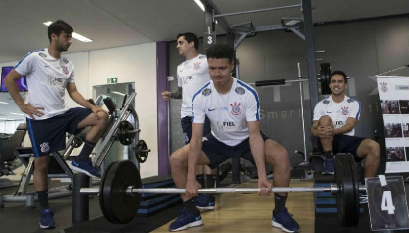 Marquinhos Gabriel volta ao treino e deve ser titular contra o Vitória