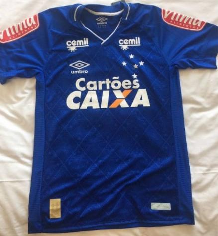 5a2174338b Marca no uniforme do Cruzeiro terá novidade para o primeiro jogo da final  da Copa do