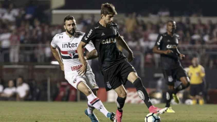 Ronaldo Alves celebra gol na Sul-Americana: