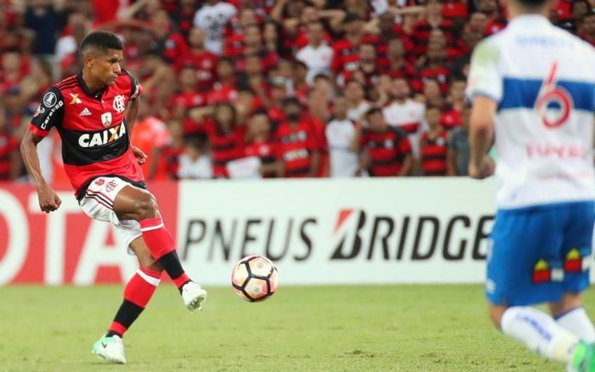 Márcio Araújo acerta com a Chape e nove atletas do Fla são emprestados