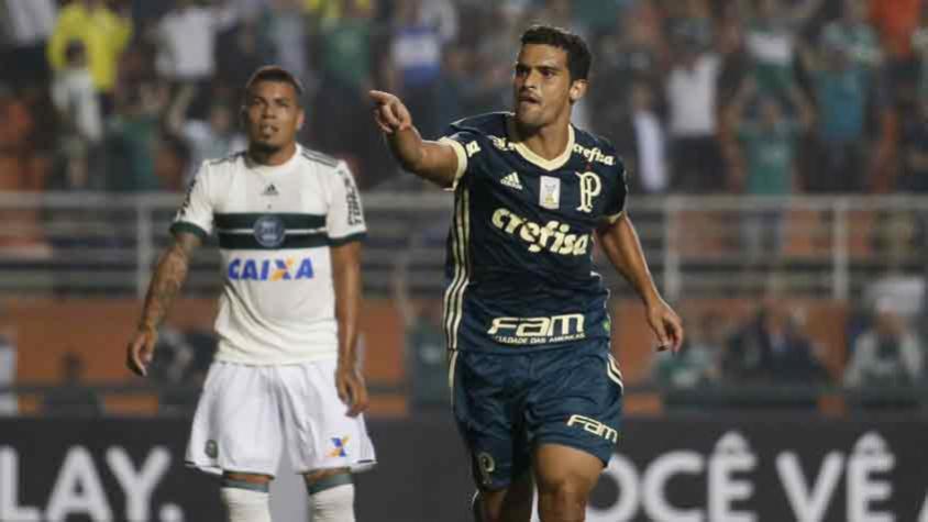 Palmeiras vence o Coxa no Pacaembu e se aproxima de Grêmio e Santos