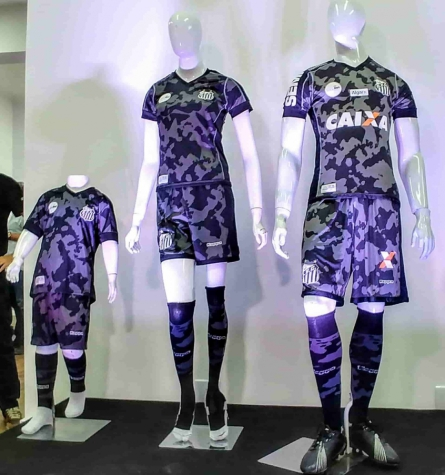 Em São Paulo, Santos lança terceiro uniforme &#39camuflado&#39