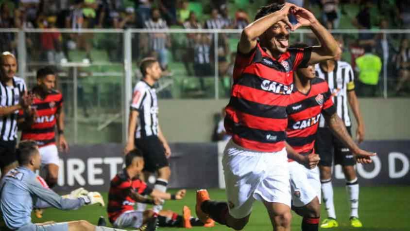 Melhor time do segundo turno, Botafogo encara Vitória