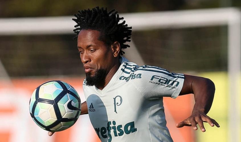 Santos e Palmeiras fazem o clássico de olho no líder Corinthians