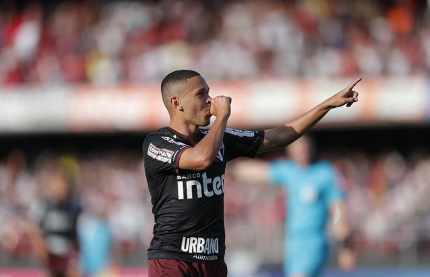 Marocs Guilherme fez o gol da vitória por 1 a 0 sobre o Sport f0f76f4aa3b4c