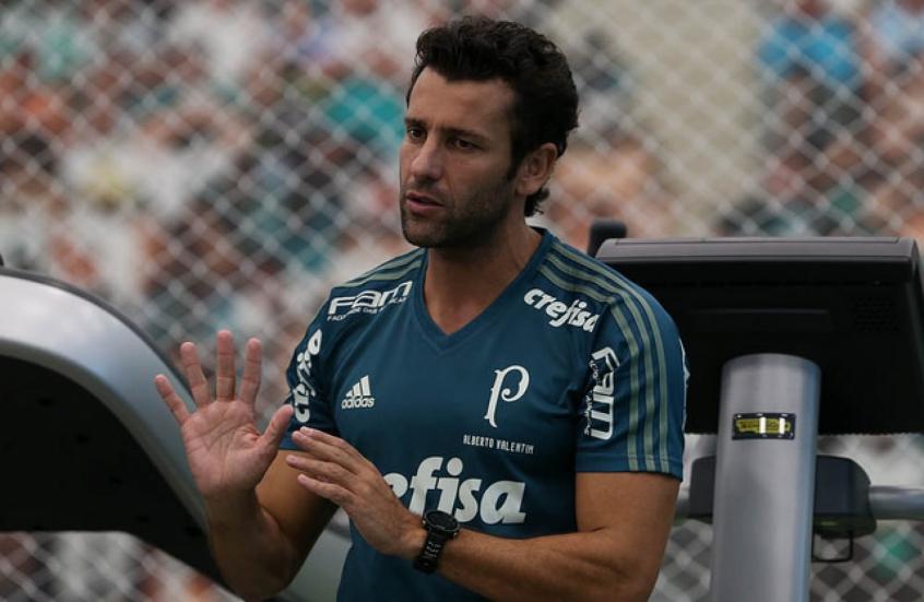 Cuca deixa comando do Palmeiras, que prioriza Mano Menezes para 2018