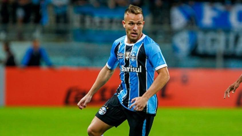 Arthur pode deixar o Grêmio rumo ao Barcelona