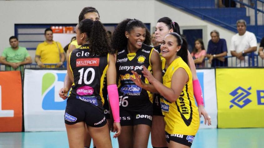 Dentil/Praia Clube é o líder da Superliga 17/18