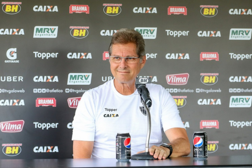 Oswaldo de Oliveira foca em preparação dos jogadores para enfrentar o Corinthians