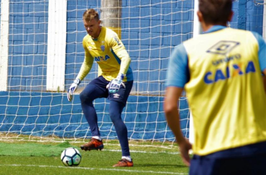 Atlético-PR perde e vê Libertadores escapar