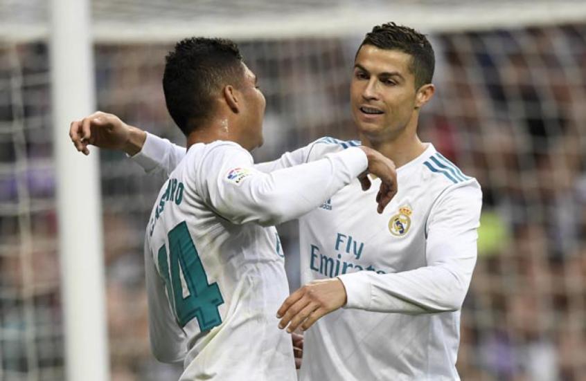 32075a4144 Casemiro e Cristiano Ronaldo - Real Madrid x Málaga