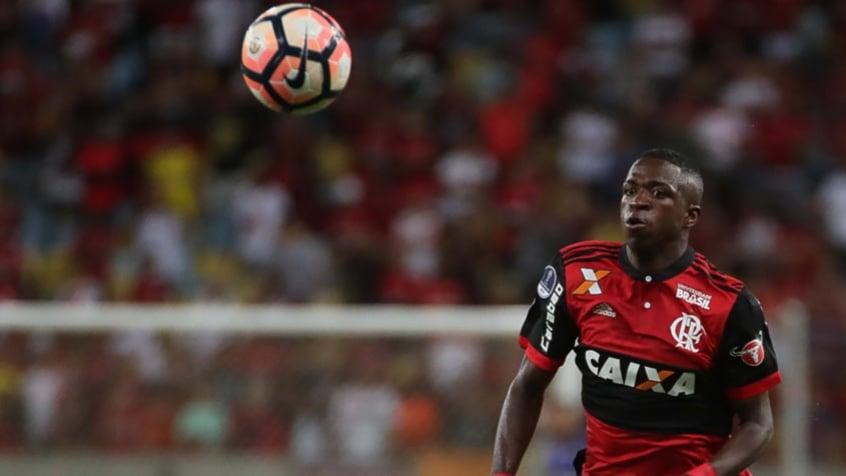 Jornal espanhol questiona chances dadas para Vinicius Jr no flamengo