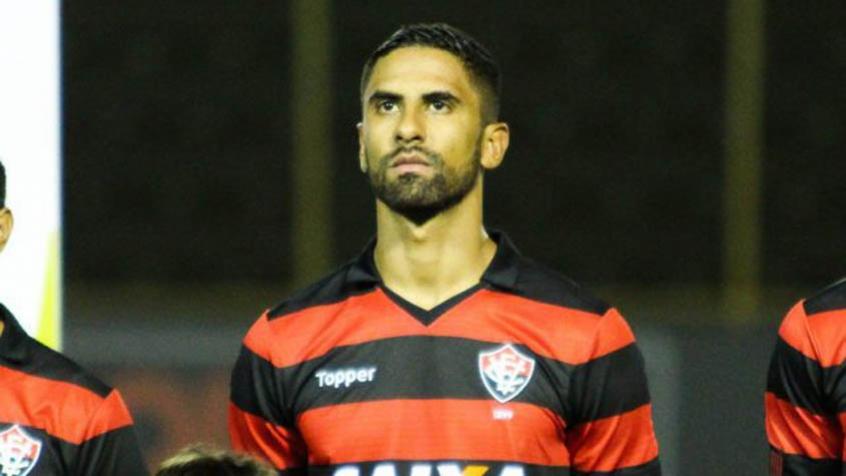 São Paulo acerta com o Vitória e contrata o atacante Tréllez  efddc3ead3be6