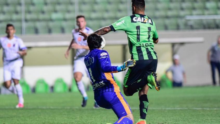 Goleiro de 26 anos pediu para ficar para disputar a Série A. (Mourão  Panda América-MG) cd40a13e1a689