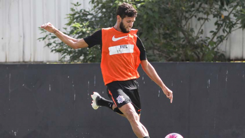 Carille exalta atuação do Corinthians contra o São Paulo, mas quer evolução