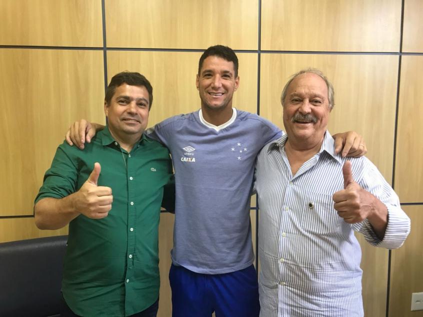 Cruzeiro recusa proposta de USD 3,5 milhões por Thiago Neves