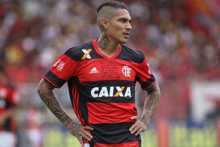 2aa1d7a811 Guerrero está insatisfeito com a suspensão e seu afastamento dos jogos  (Foto  Gilvan de Souza Flamengo)