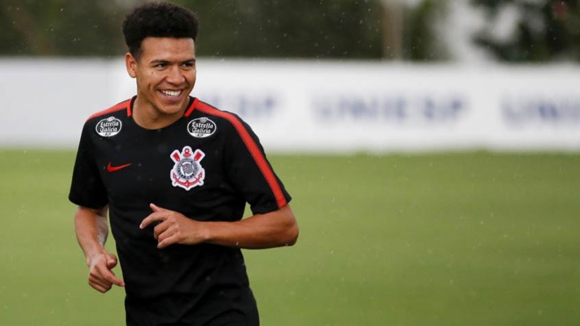 Corinthians confirma empréstimo de Marquinhos Gabriel para clube dos ... 82e0c56071256