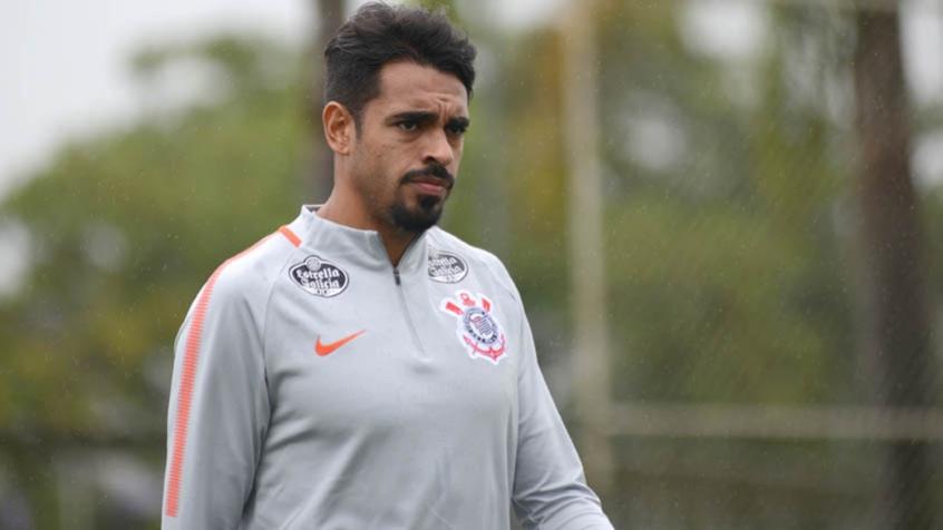 Corinthians rescinde contrato do atacante Júnior Dutra
