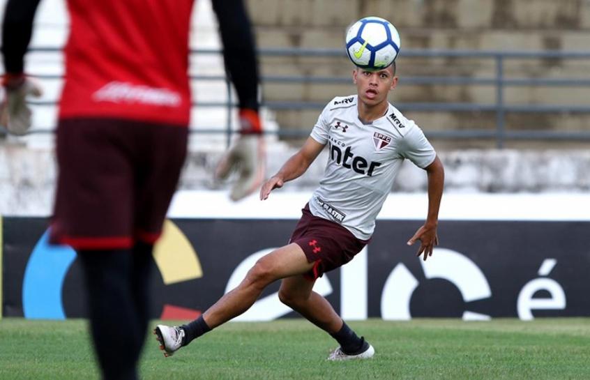 Marcos Guilherme atuou em todos os 34 jogos do São Paulo desde sua estreia