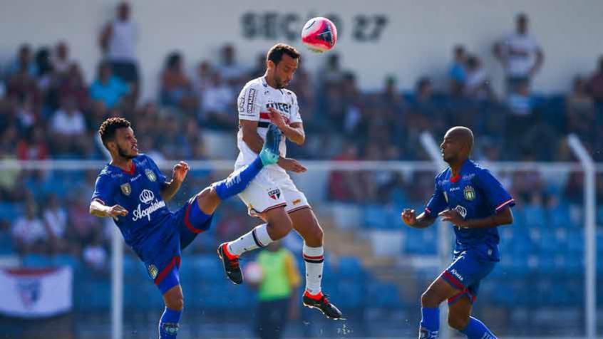 Tréllez volta a trabalhar com bola: veja como foi o treino do São Paulo