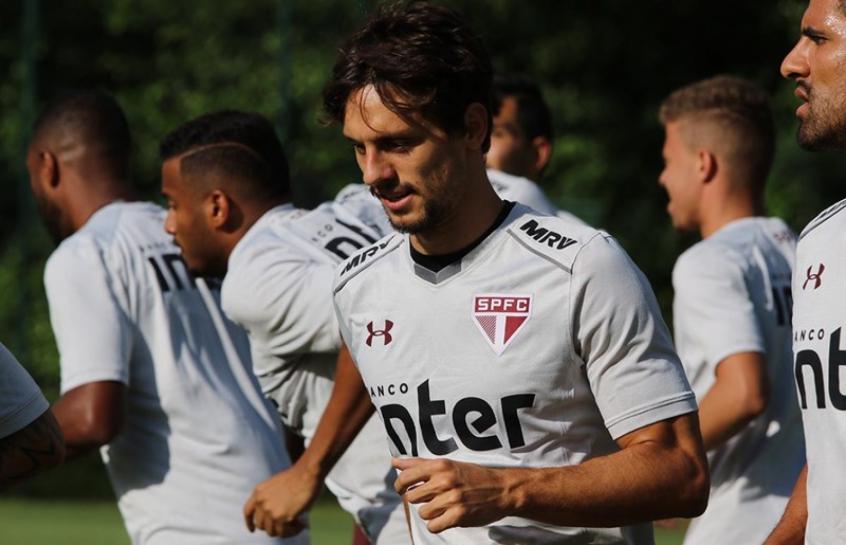 Cirurgia de Rodrigo Caio é um sucesso e jogador fica dois meses fora