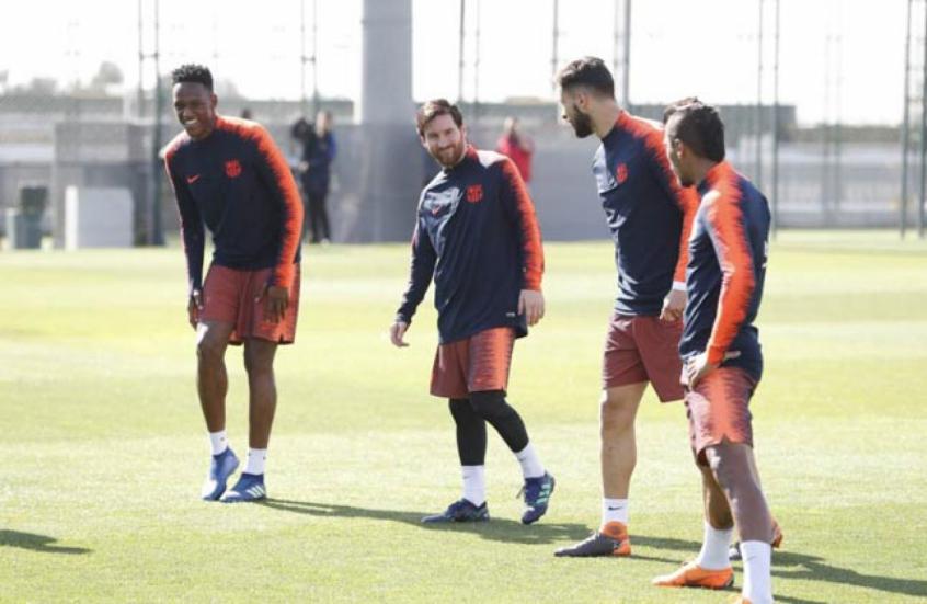 Messi volta a treinar no Barcelona após desfalcar a Argentina  db5bf0f9773e2