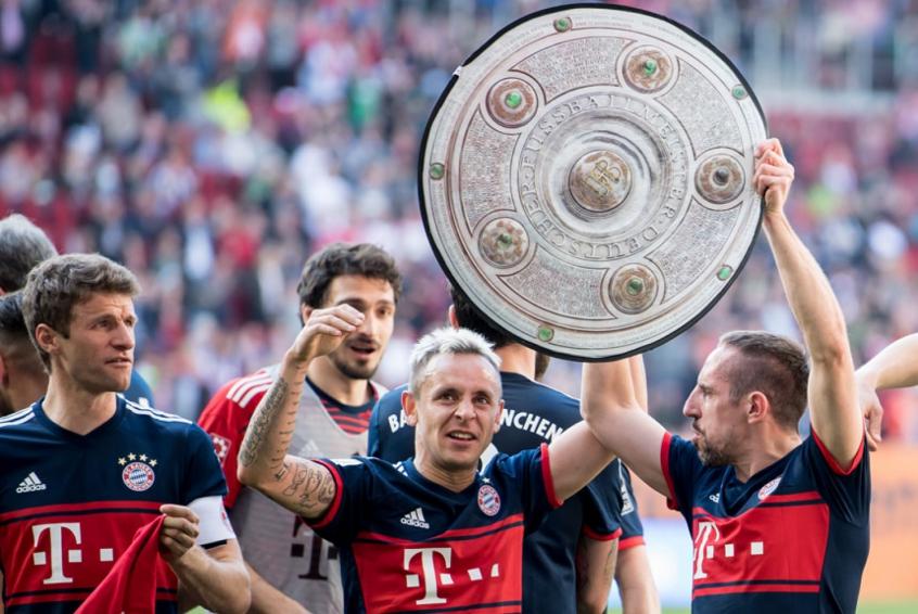 Próximo de acerto com o Fla, Rafinha se despede do Bayern de Munique