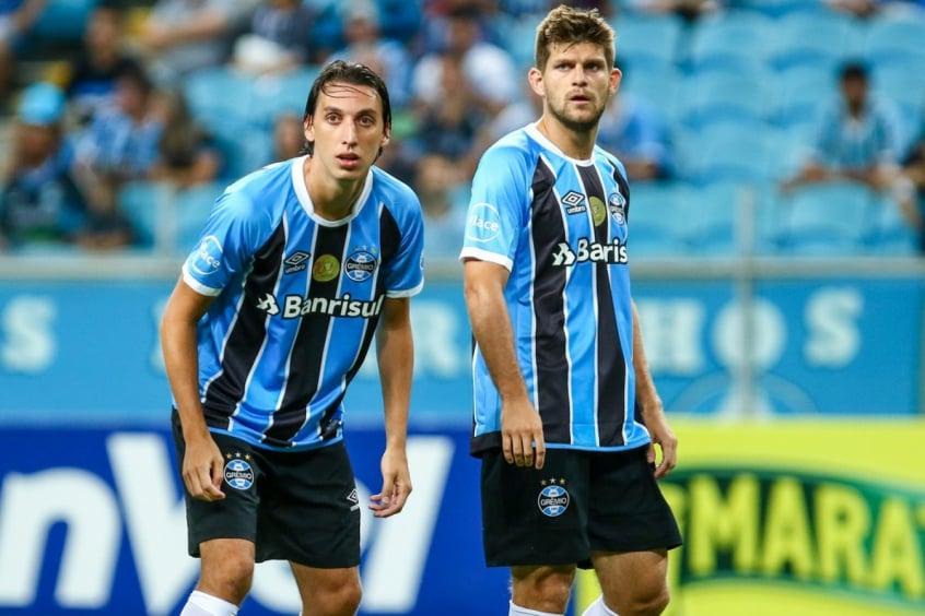 Grêmio deve enfrentar o Vitória com retorno de linha defensiva ... 2c20b891f9c33