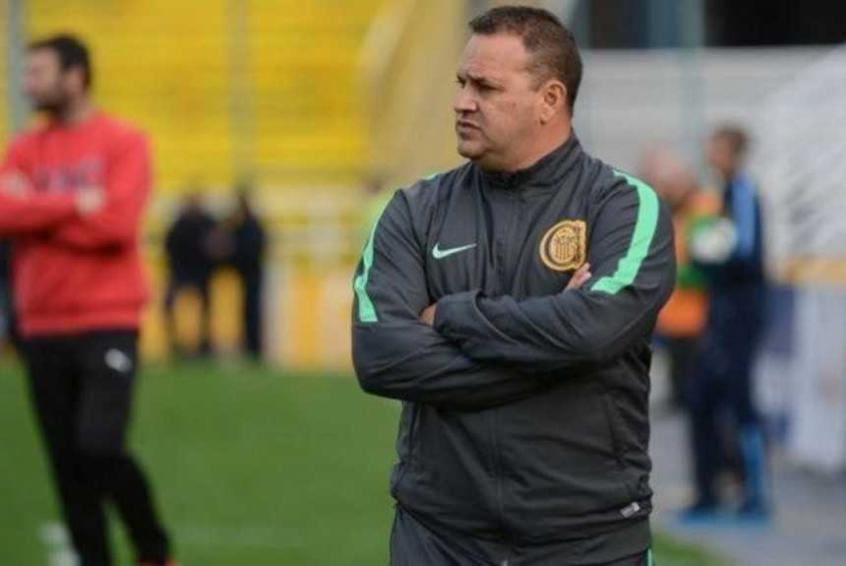 Treinador Leonardo Fernández já definiu os titulares para o duelo diante do  São Paulo 7baf924738f68