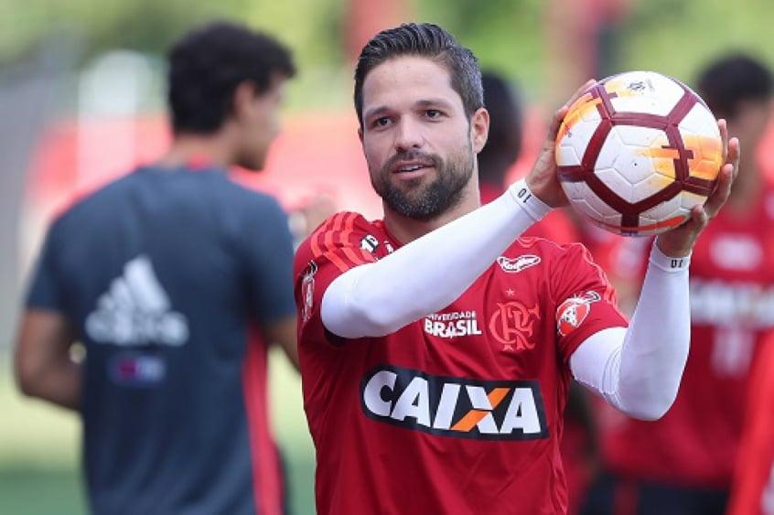 Flamengo tem estrela puxando barca para 2019 e pode negociar mais tr�s badalados